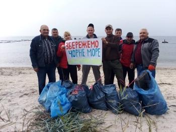 Чорноморський рибоохоронний патруль прибрав узбережжя Чорного моря від сміття