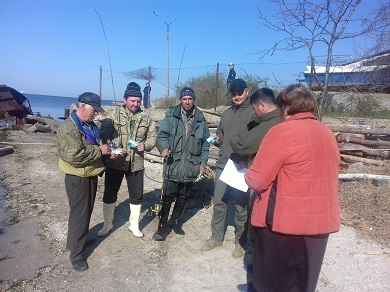 Чорноморським рибоохоронним патрулем проведена роз'яснювальна бесіда з рибалками-любителями